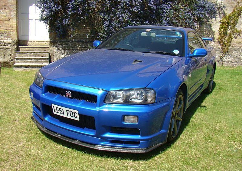 Nissan Skyline GTR (R34) review, specs, stats, comparison