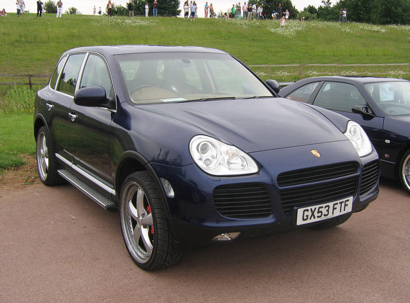 Porsche Cayenne Turbo Gen 1 Review Specs Stats Comparison Rivals Data Details Photos And Information On Supercarworld Com
