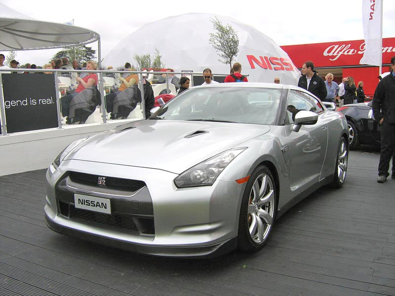 Nissan GTR R35 review specs stats comparison rivals data
