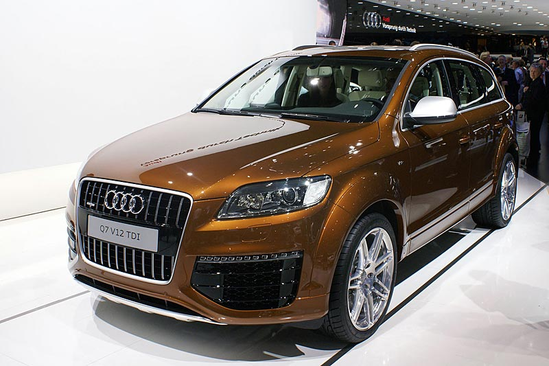 Audi Q V Review Specs Stats Comparison Rivals Data Details - Audi q7 v12